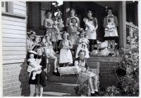 24 Molong Cottage Girls 1952